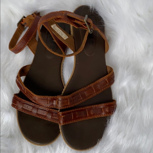 Timberland brown leather sandals size 6.5 EUC